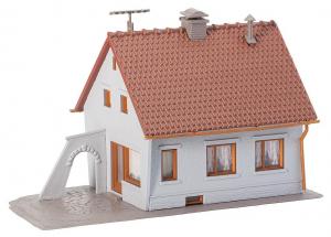 Faller 131364 Сельский дом 1/87 Faller_131364.jpg
