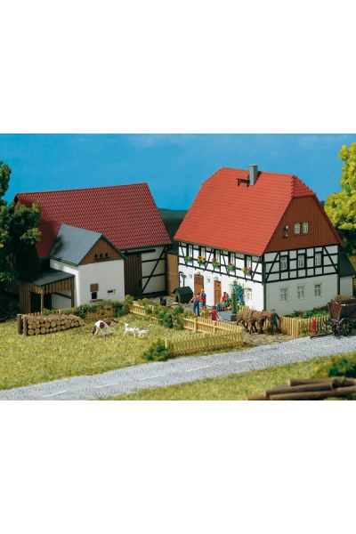 Auhagen 11350 Небольшая усадьба 1/87