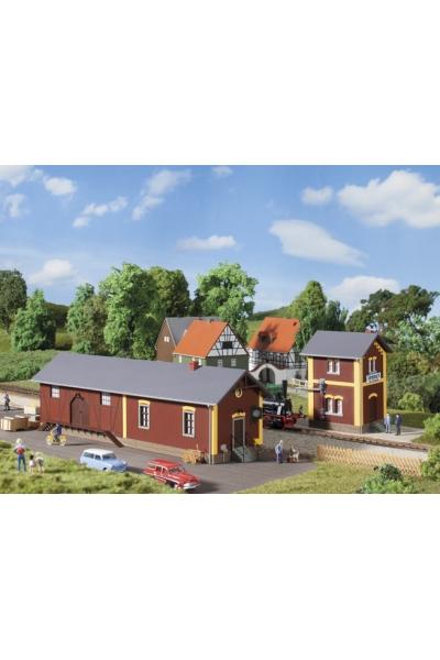 Auhagen 11435 Здание с водяным краном станции Steinbach  1/87