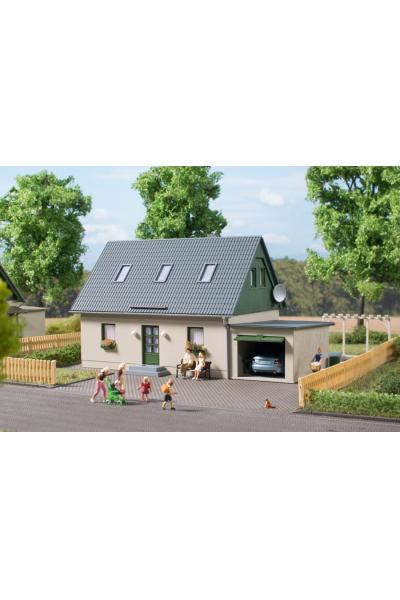 Auhagen 11454 Частный дом с гаражом H0