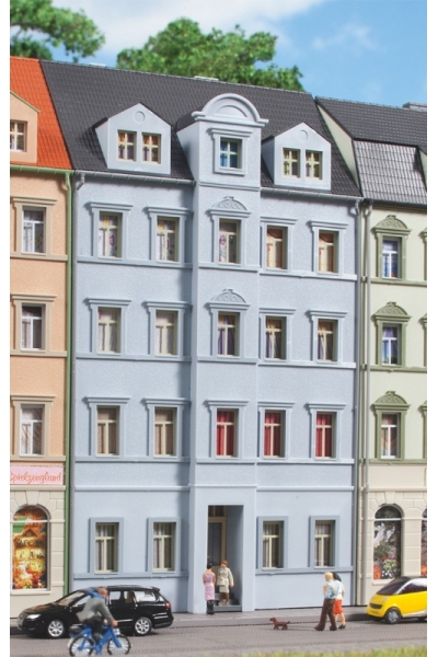 Auhagen 14479 Жилой дом Ringstrasse 5 68 x 47 x 122 mm 1/160