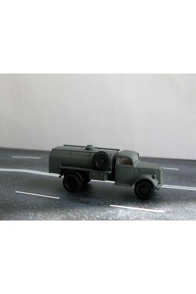 Auto 221072 Автомобиль WW II 1/87