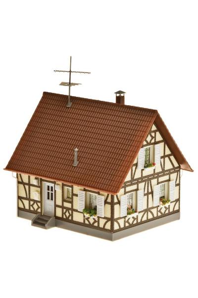 Faller 130221 Фахверковый дом с гаражом 1/87