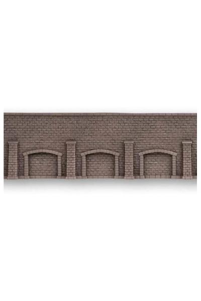 Noch 58276 Стена подпорная с колонами и арками обработанный камень 33.5Х12.5см 1/87