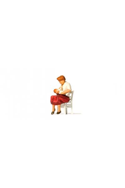 Preiser 28176 Кормящая мать 1/87